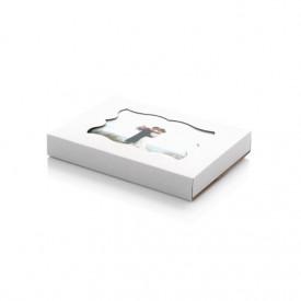 Kartonowe pudełko z okienkiem na odbitki 15x23