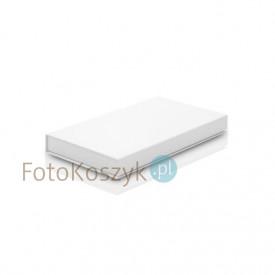 Białe pudełko na zdjęcia 15x23 i pendrive (do 100 zdjęć)
