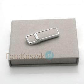 Zestaw szary pendrive w pudełku