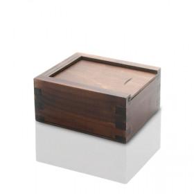 Drewniane bejcowane pudełko na pendrive