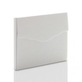 Teczka biała z ryflowanej  tektury na zdjęcia 13x18 bez rzepa