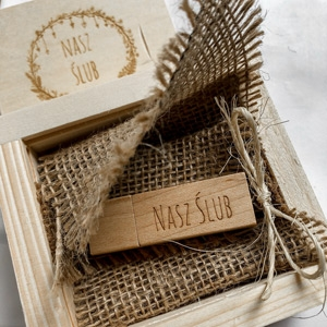 Pendrive ślubny w pudełku